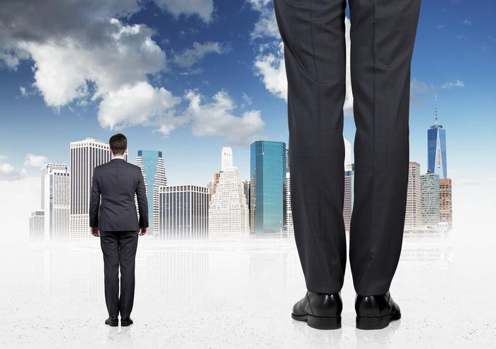 financial-teams-smal-vs-mid-sized