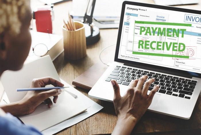 turn-accounts-receivable-into-cash.jpg